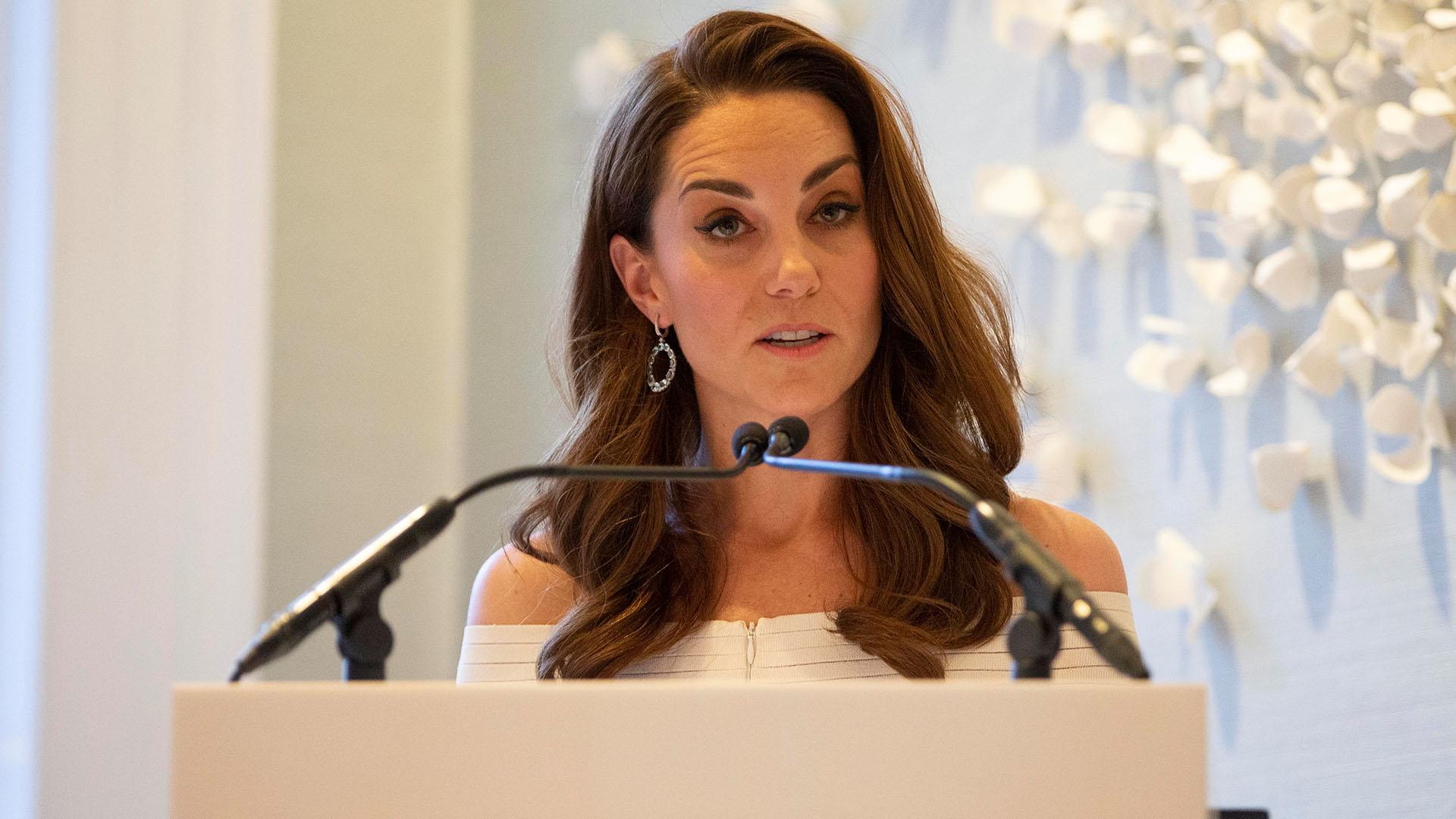 """Catalina de Cambridge durante su discurso en la cena de gala """"Addiction Awareness Week"""", en Londres"""