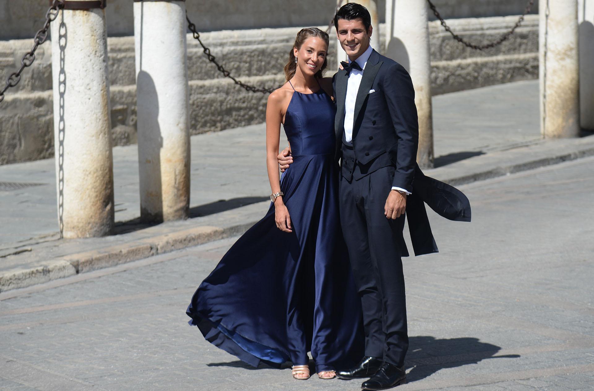 El delantero del Atlético de Madrid Álvaro Morata y Alice Campello, su esposa