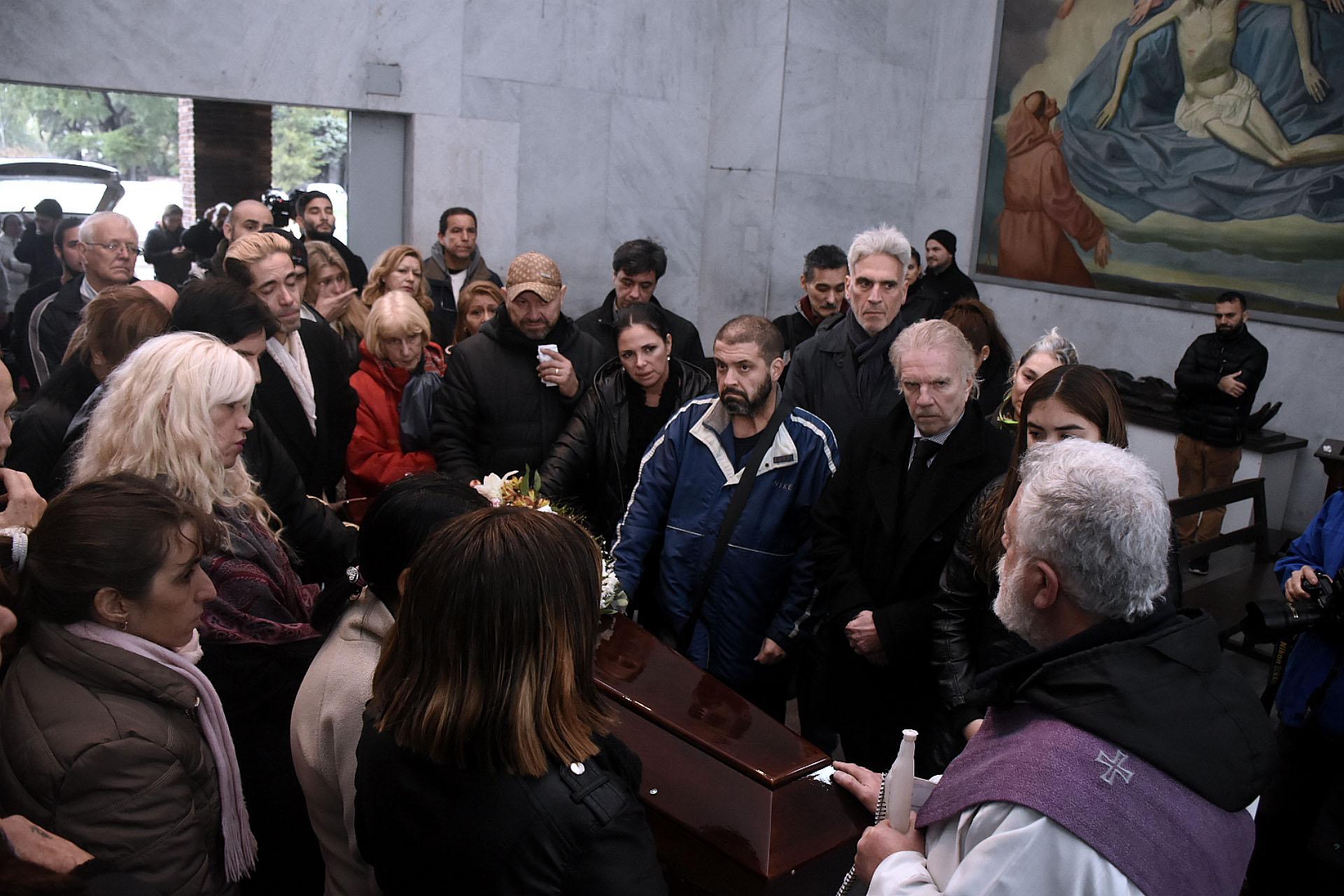 En el Cementerio de la Chacarita, hubo una misa para despedir a la actriz