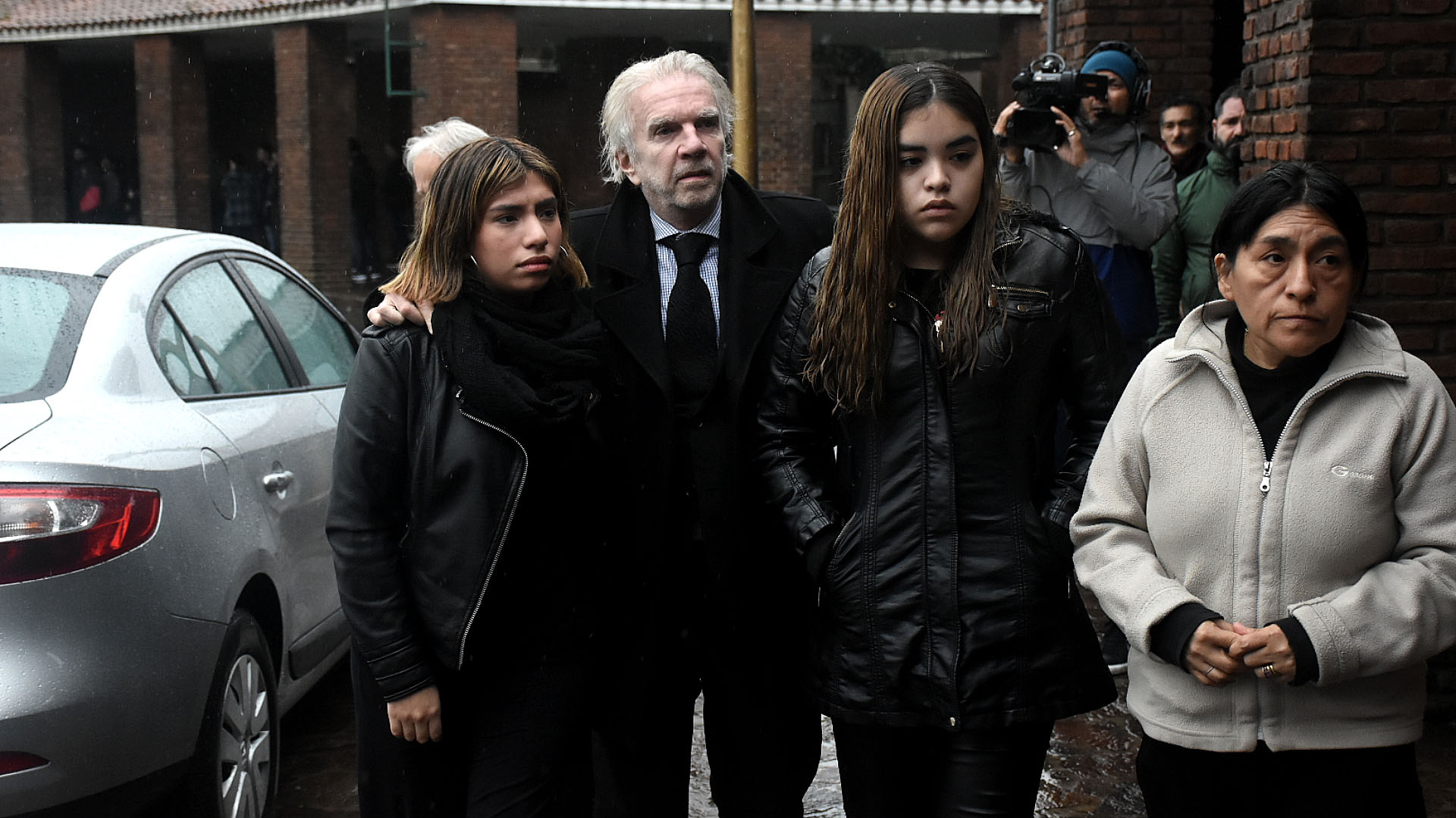 Alberto Ferriols junto a sus hijas Noelia y Bettina
