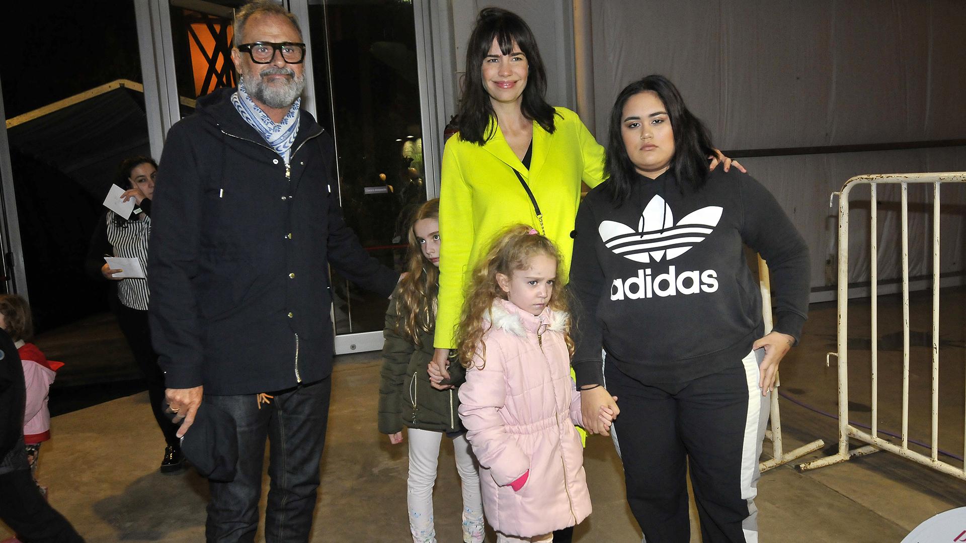Jorge Rial con su hija Rocío; y Romina Pereiro con sus pequeñas, Emma y Violeta
