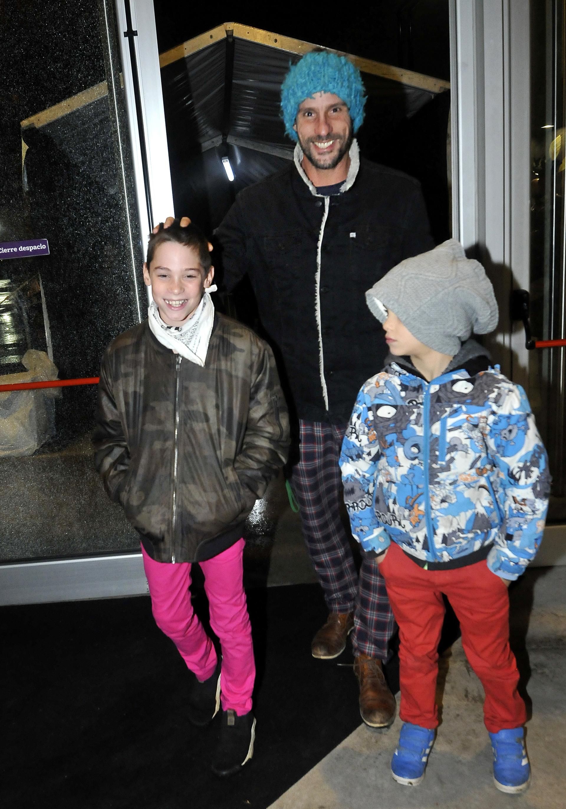 Gonzalo Valenzuela junto a sus hijos Silvestre y Alí