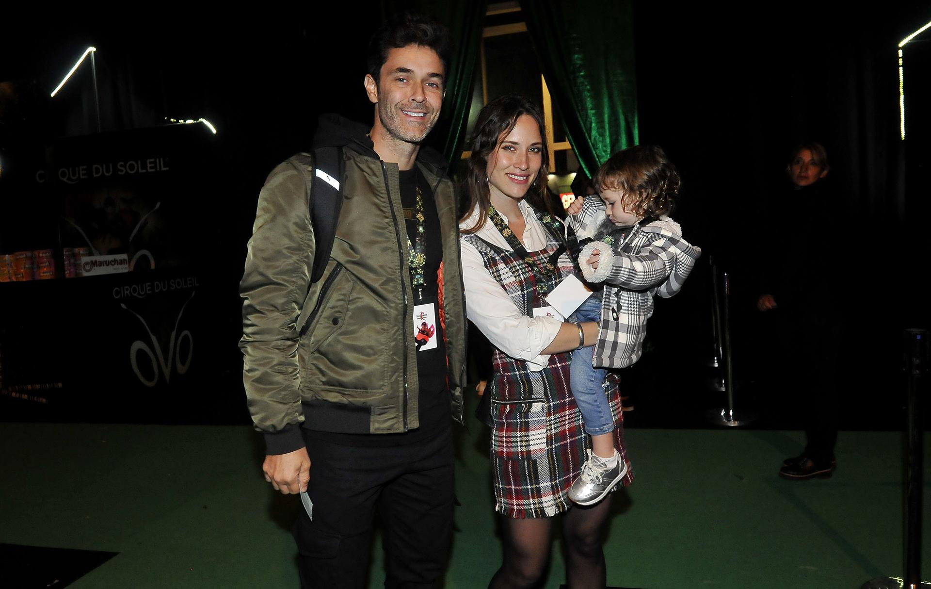 Mariano Martínez y Camila Cavallo con su pequeña Alma (Fotos: Teleshow)