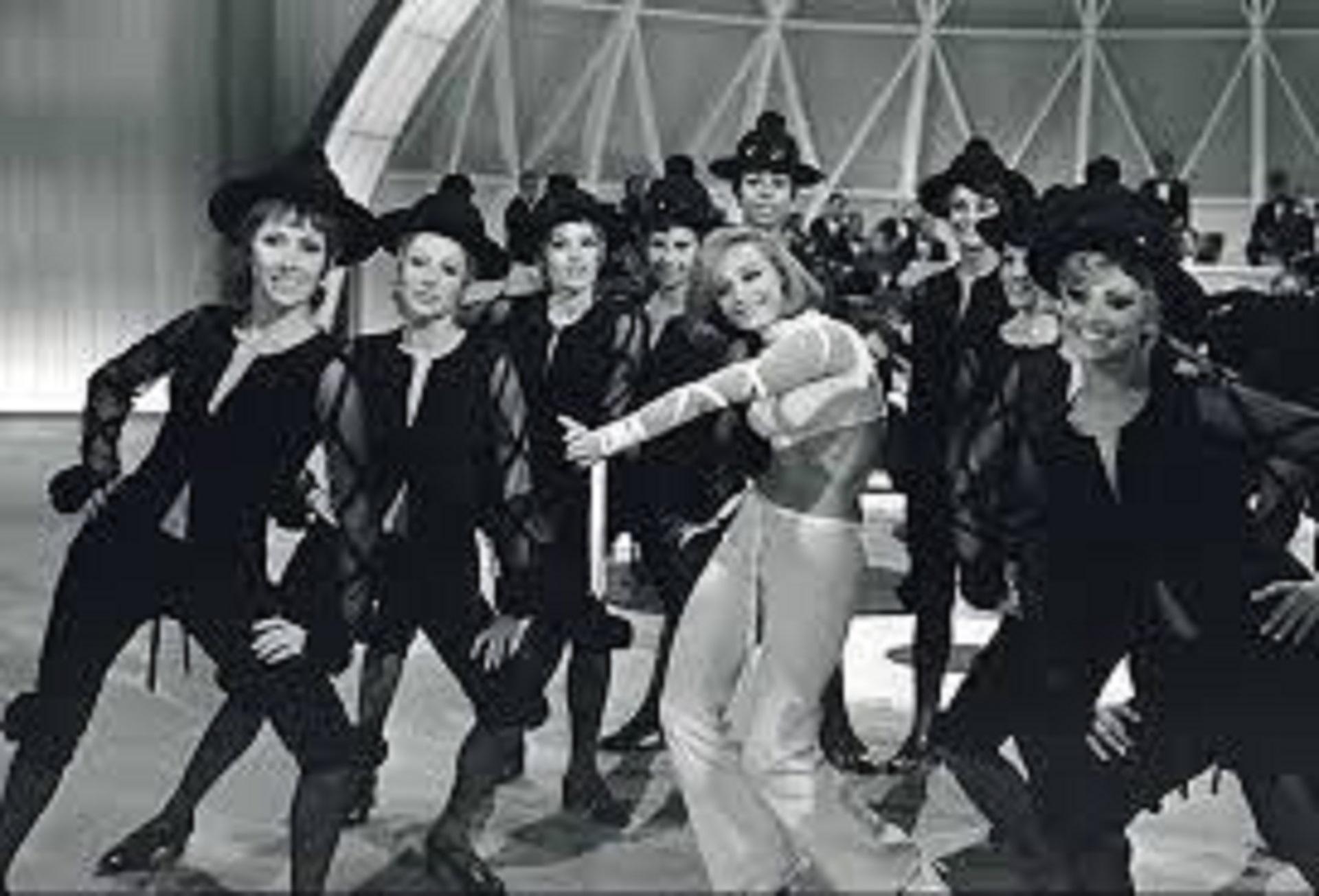 Raffaella Carrá: la diva italiana que rechazó a Sinatra, sedujo a Maradona  e hizo bailar a millones cumple 76 años - Infobae