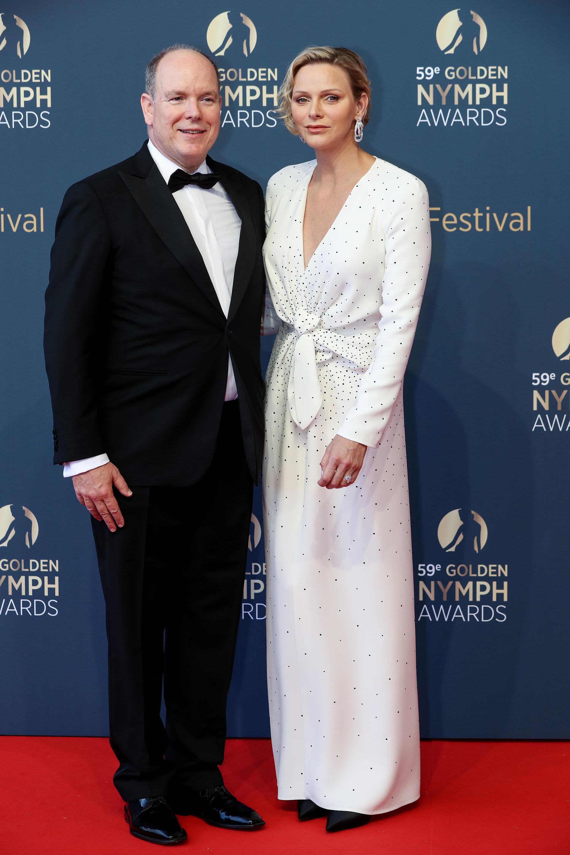 Alberto y Charlene de Mónaco en la ceremonia de clausura del Festival de Televisión de Monte Carlo