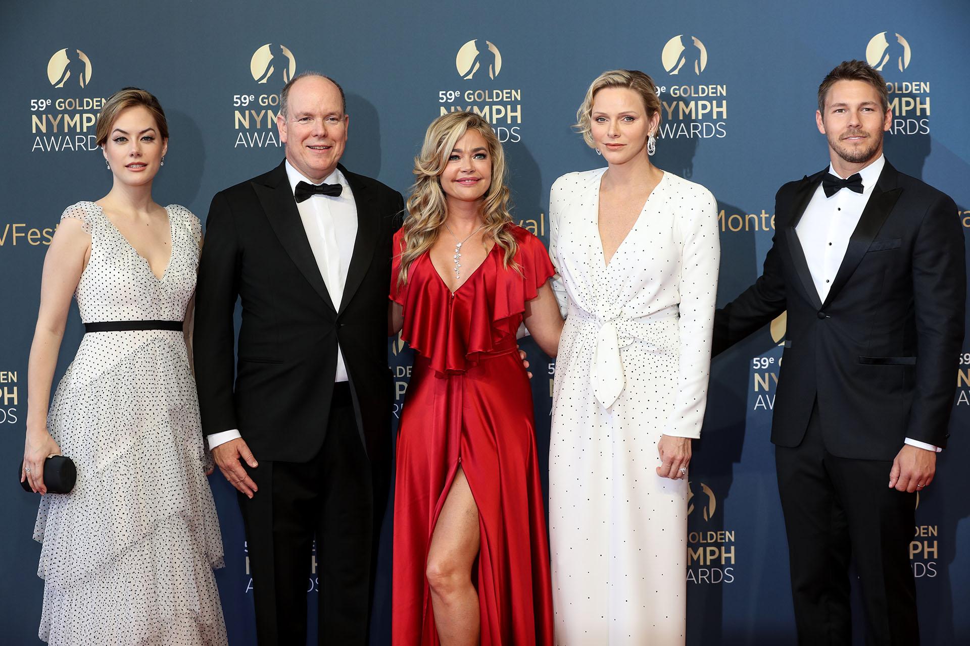 Annika Noelle, Alberto de Mónaco, Denise Richards, Charlene de Mónaco, y Scott Clifton /// Fotos: AFP