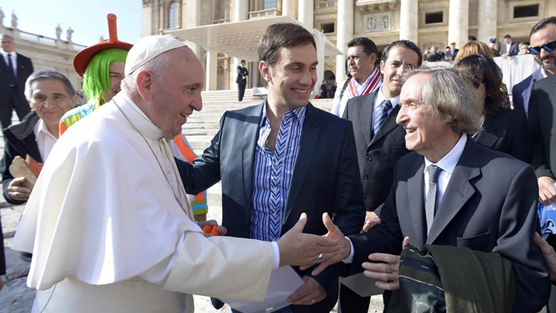Carlitos viajó a Roma para tener un encuentro con el Papa Francisco en noviembre de 2016 (NA)