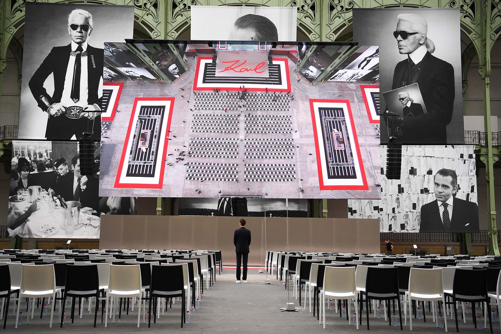 Este es el primer homenaje en público luego de su muerte. El pianista chino Lang Lang, tocó en un piano que Lagerfeld diseñó en el 150º aniversario de la marca Steinway