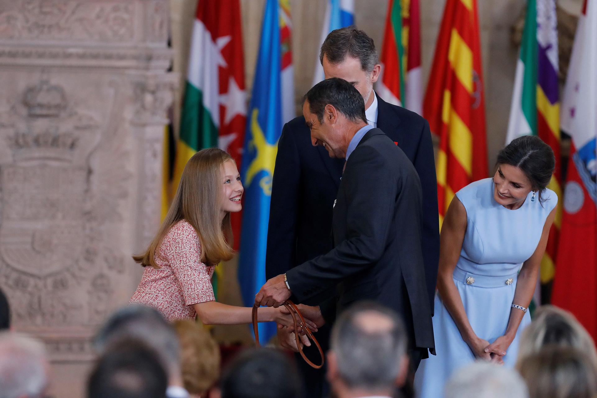 Felipe VI conmemoró su lustro de reinado con un acto en el Palacio Real. Se condecoraron a 41 ciudadanos de toda España, de entre 19 y 107 años, y considerados un ejemplo para la sociedad civil