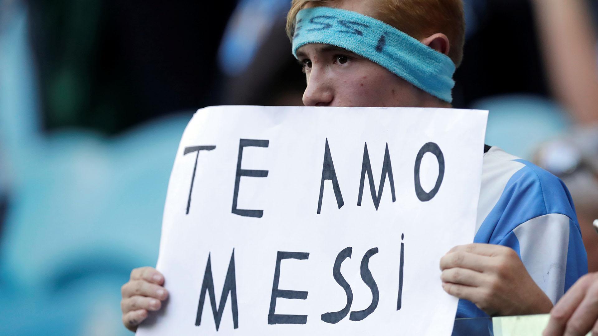 El capitán de la Selección recibió todo el apoyo y el cariño de los fanáticos en el estadio