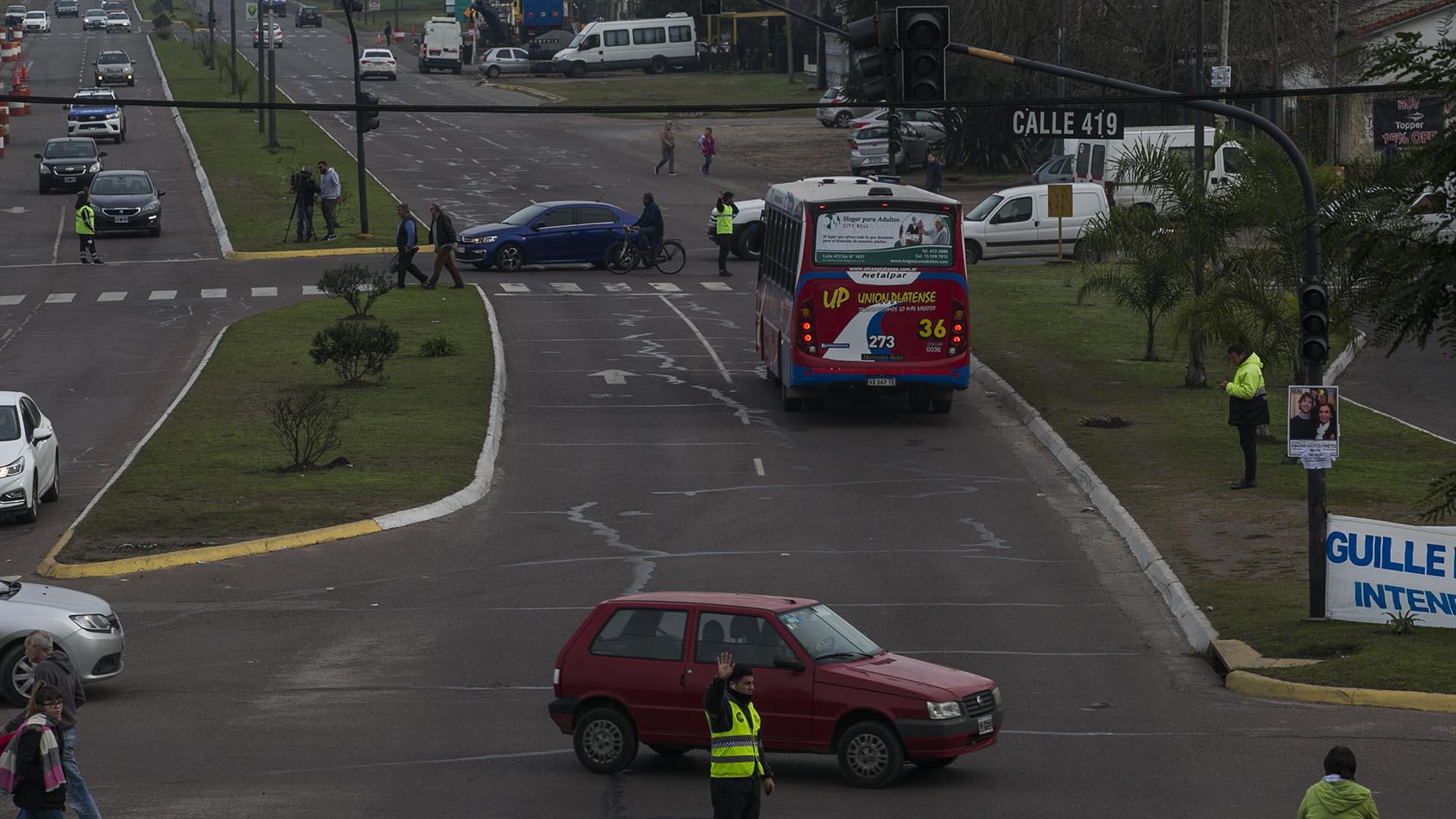 Agentes de tránsito fueron desplegados en los puntos más críticos de congestiones vehiculares