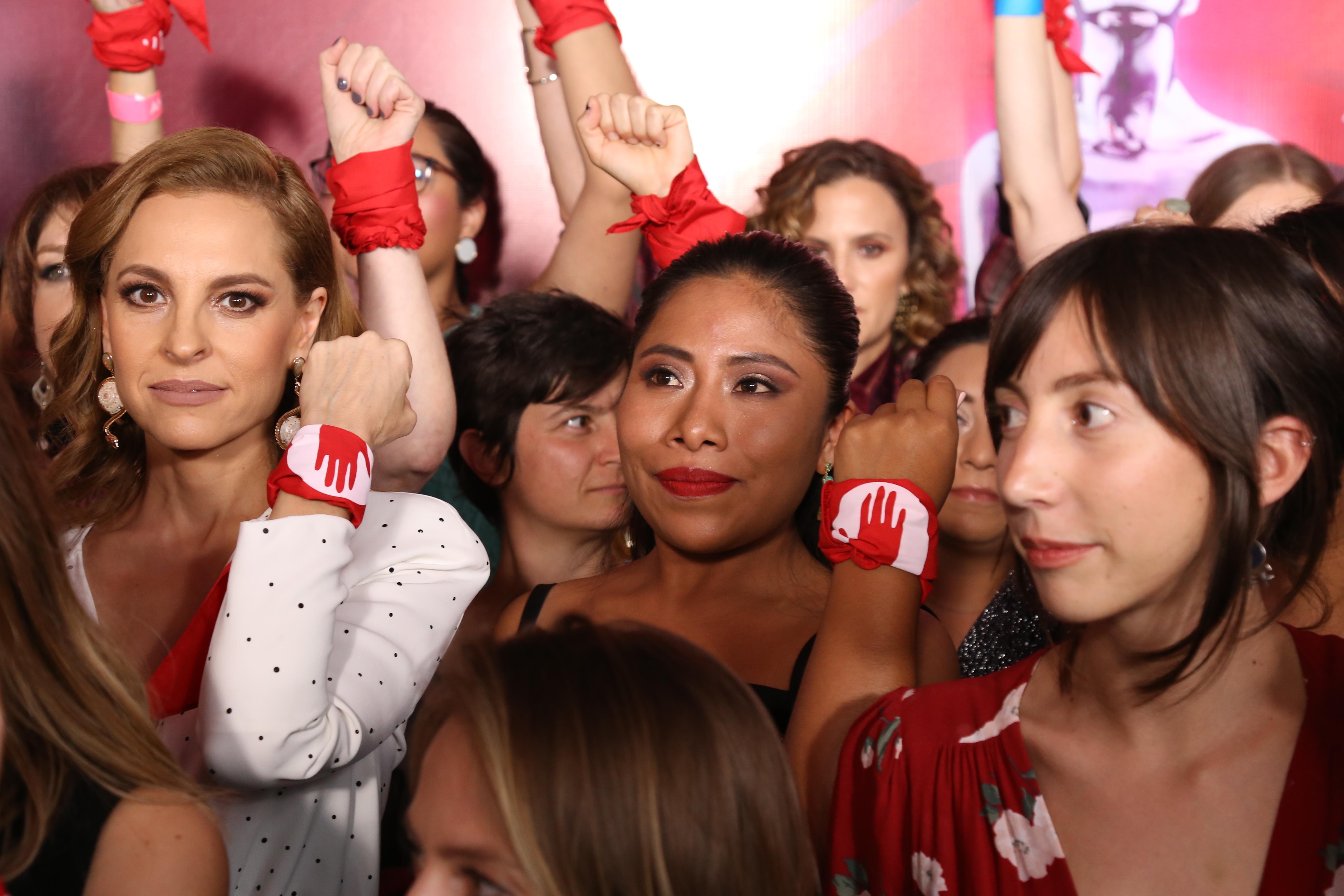 Marina de Tavira y Yalitza Aparicio en el movimiento #YaEsHora(Foto: Juan Vicente Manrique/Infobae)