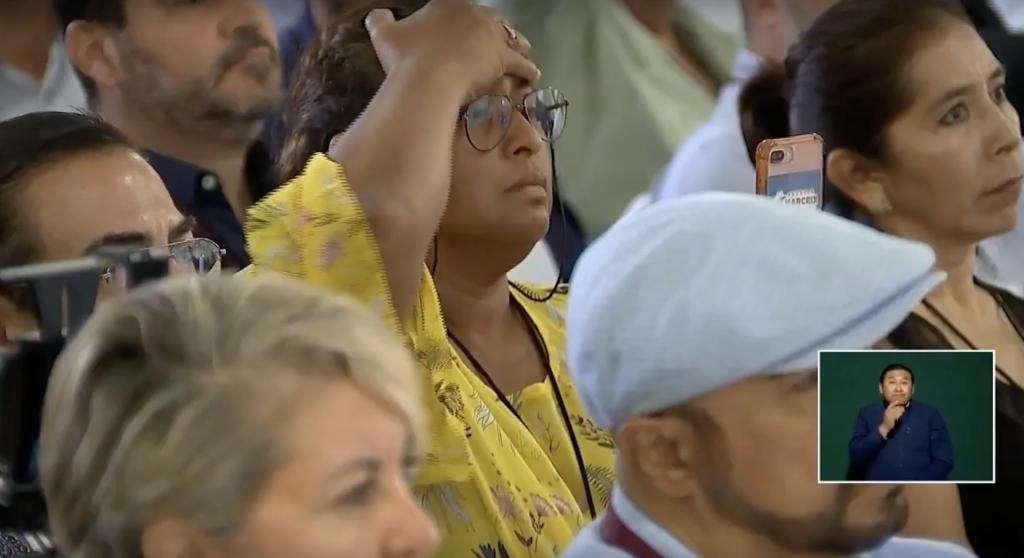 La mujer no quedó contenta con la respuesta del presidente mexicano (Foto: Captura de pantalla)