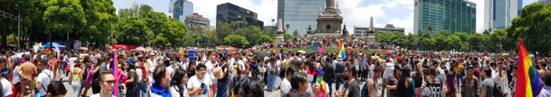 Este año la marcha de la comunidad LGBTTTIQ tiene como finalidad conmemorar y recordar a todas las personas que fueron reprimidas durante el Baile de los 41. (Foto: Hugo Lago)