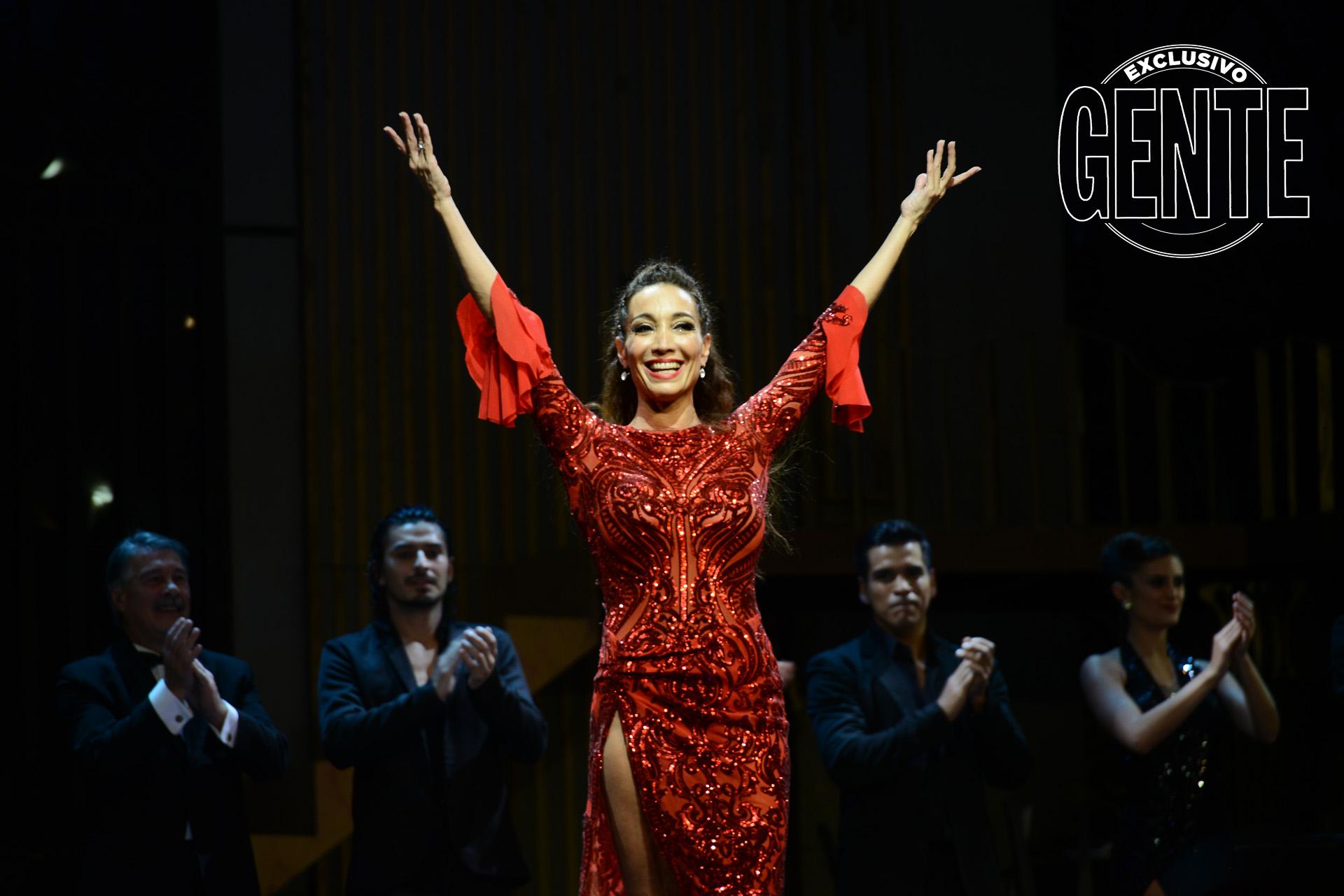Al final del show, las mil personas que llenaron el teatro le cantaron el feliz cumpleaños.