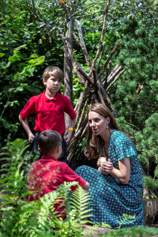 Sus pequeños invitados disfrutaron de un picnic y de una divertida búsqueda deltesoro, que Kate ideó especialmente para ellos