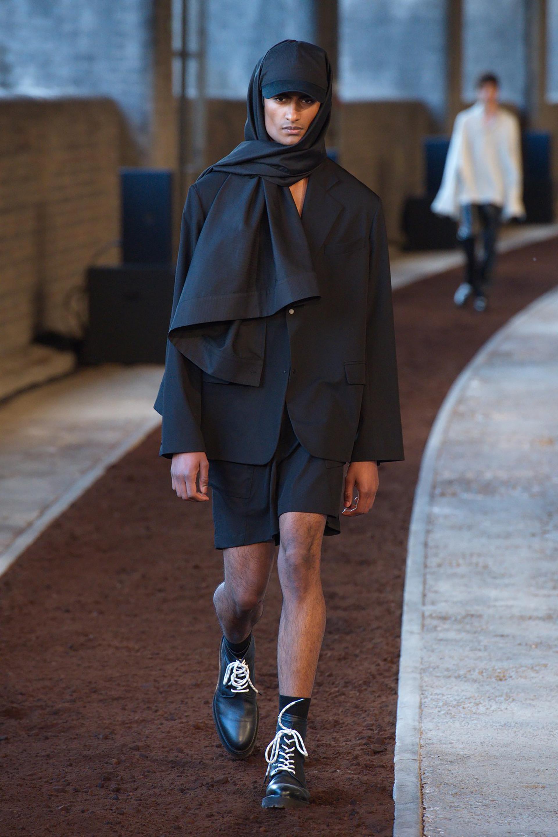 Las colecciones de Qasimi se mostraron en la última London Fashion Week Men y están disponible internacionalmente en 50 tiendas, 30 ciudades, 15 países