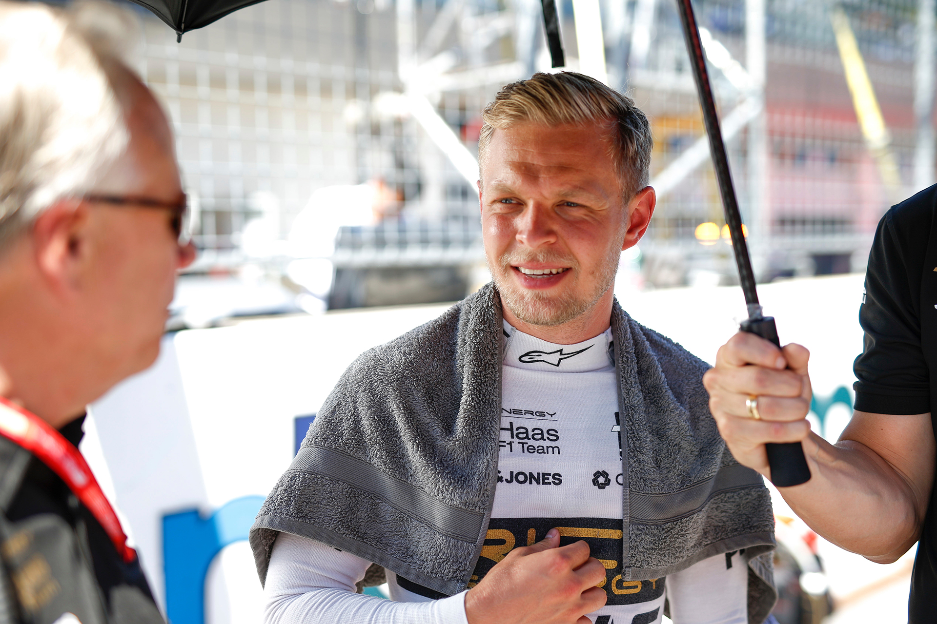 Kevin Magnussen (Rich Energy Haas), USD2,255 millones