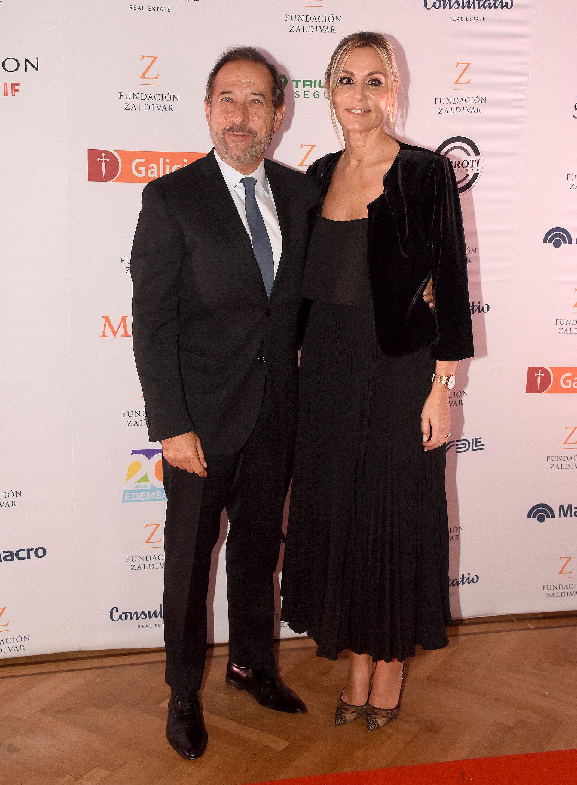 Guillermo Francella acompañado por su mujer Marynés Breña