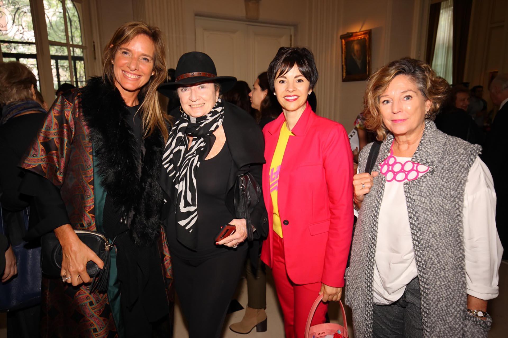 Gabriela Grobocopatel, Alicia de Arteaga, Marlise Ilhesca y Marcela Costa Peuser