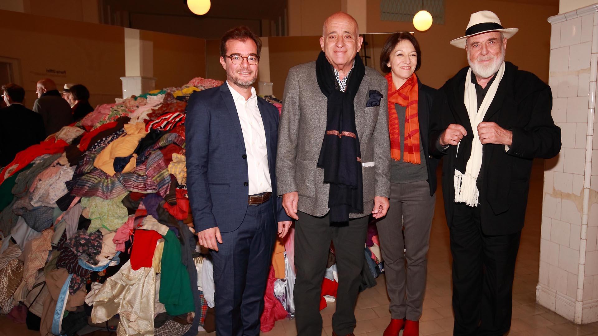Enrique Avogrado, ministro de Cultura de la ciudad, Anibal Jozami y Diana Wechsler,y Michelangelo Pistoletto, prestigioso artista italianos contemporáneos