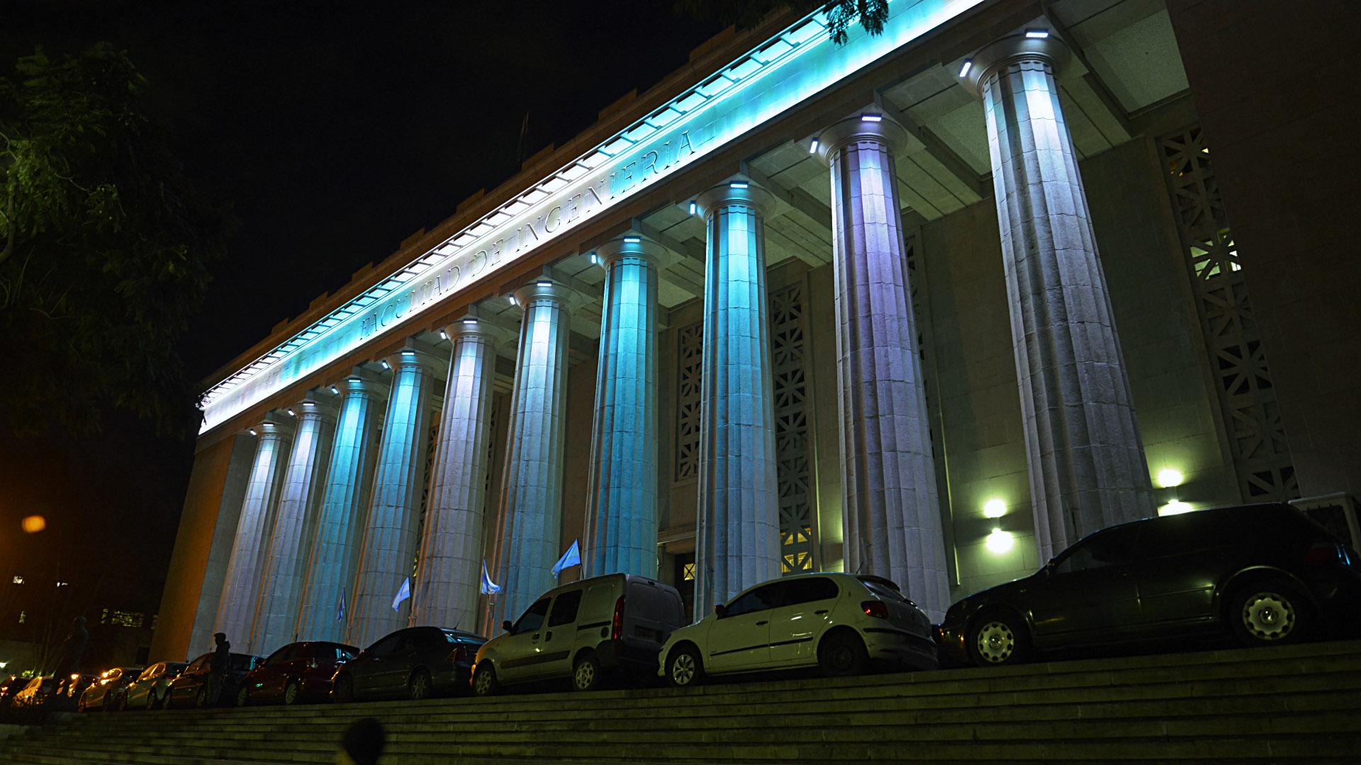 Los edificios quedarán iluminados hasta la noche del martes 9 de julio