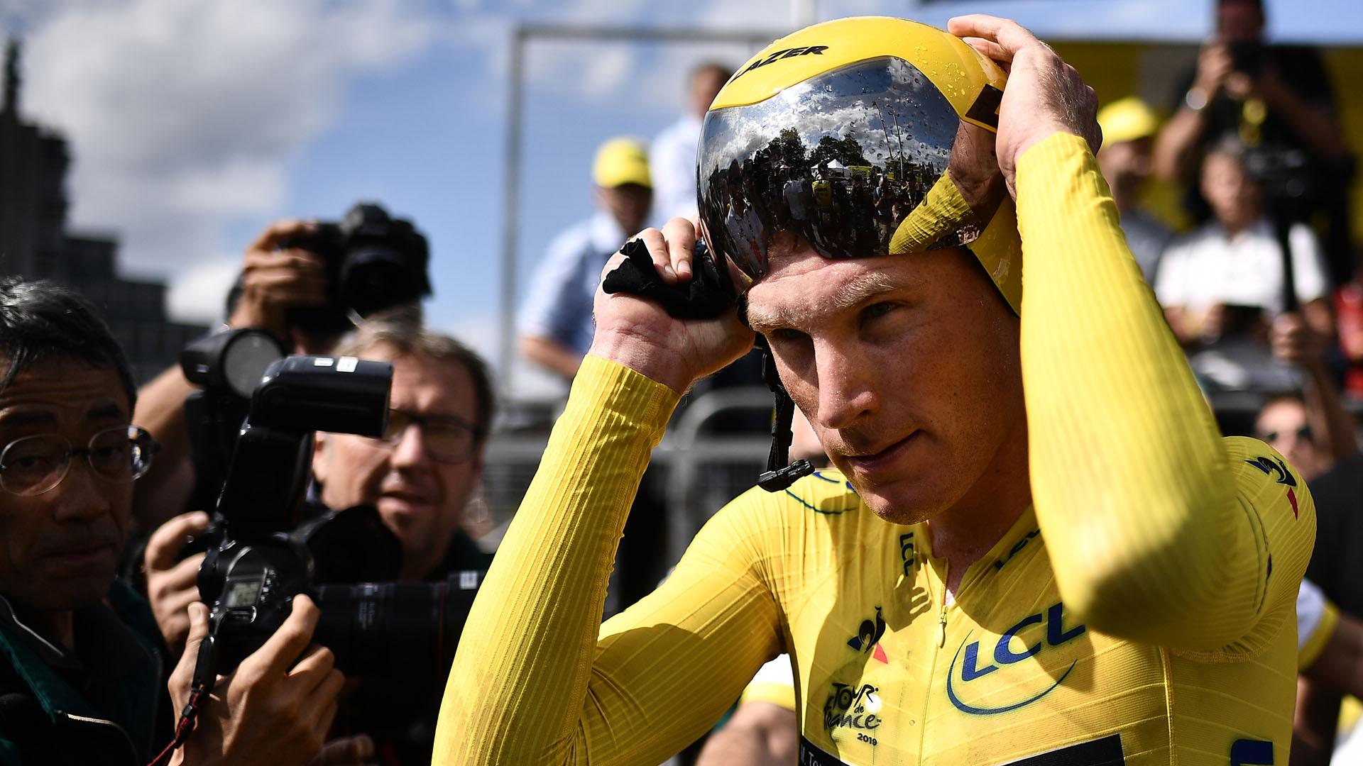 Teunissen, vencedor la víspera, se mantiene de esta manera líder de una general en la que los candidatos al maillot amarillo están muy cerca unos de otros