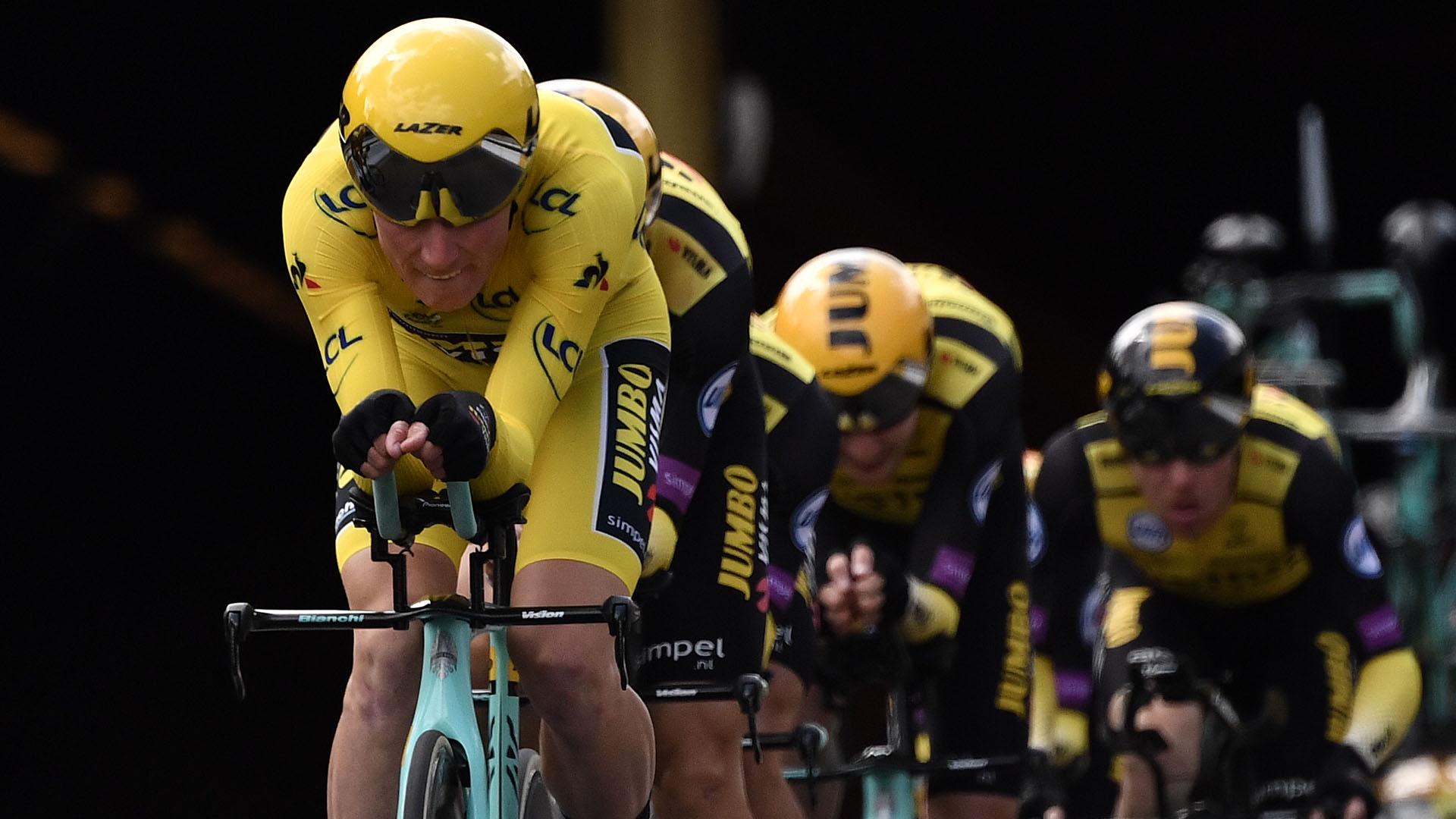 El Movistar español del colombiano Nairo Quintana y del vasco Mikel Landa fue decimoséptimo, cediendo 45 segundos con la formación británica