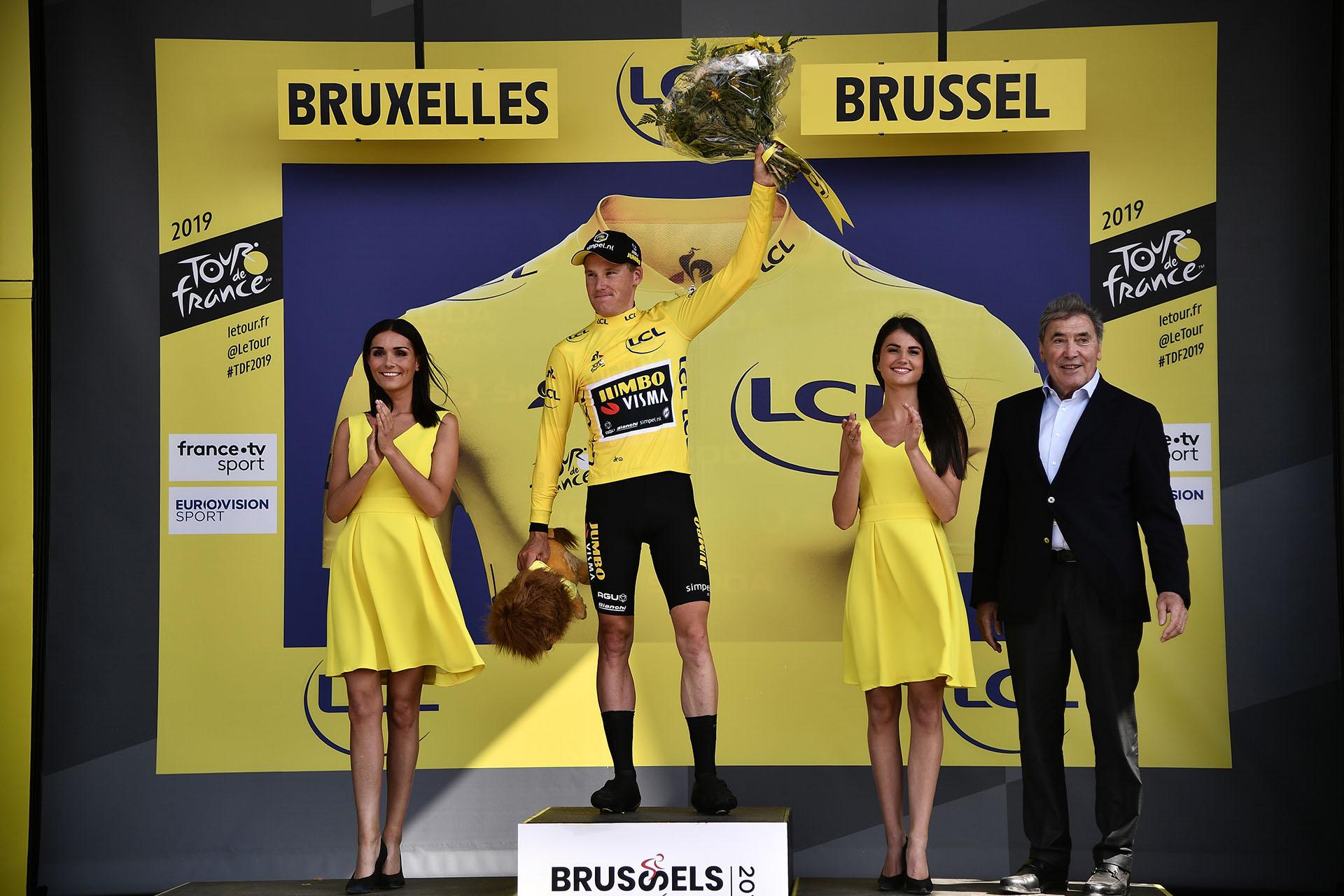 El holandés Mike Teunissen en la premiación
