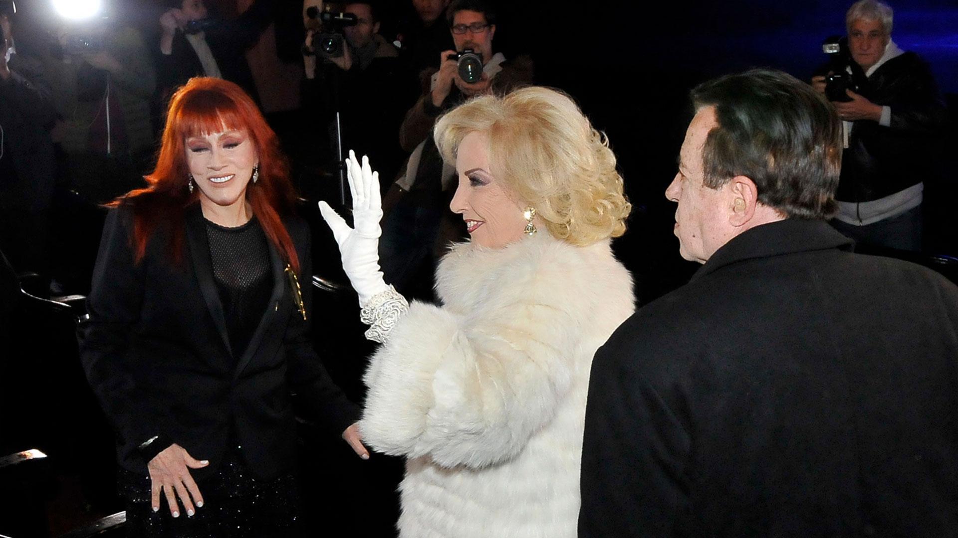 Mirtha Legrand se despidió de los invitados presentes en la Casa del Teatro (Fotos: Teleshow)