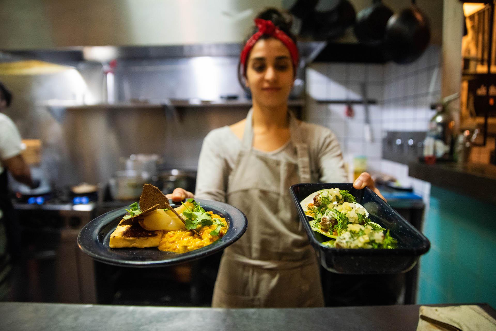 En los sabores, en las salsas y en la construcción de los platos en sí, en Lardo & Rosemary se fusionan la cocina oriental y latinoamericana