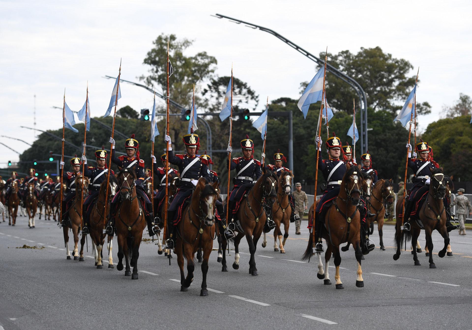 Los desfiles militares de celebración del 9 de julio se volvieron a realizar hace tres años en virtud al Bicentenario de la Independencia