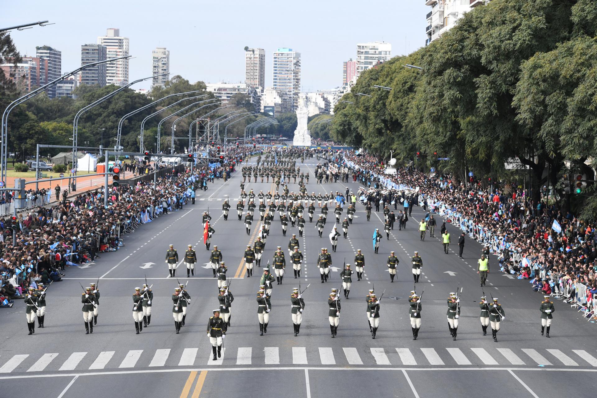 El desfile se realizó por un nuevo aniversario de la declaración de la independencia
