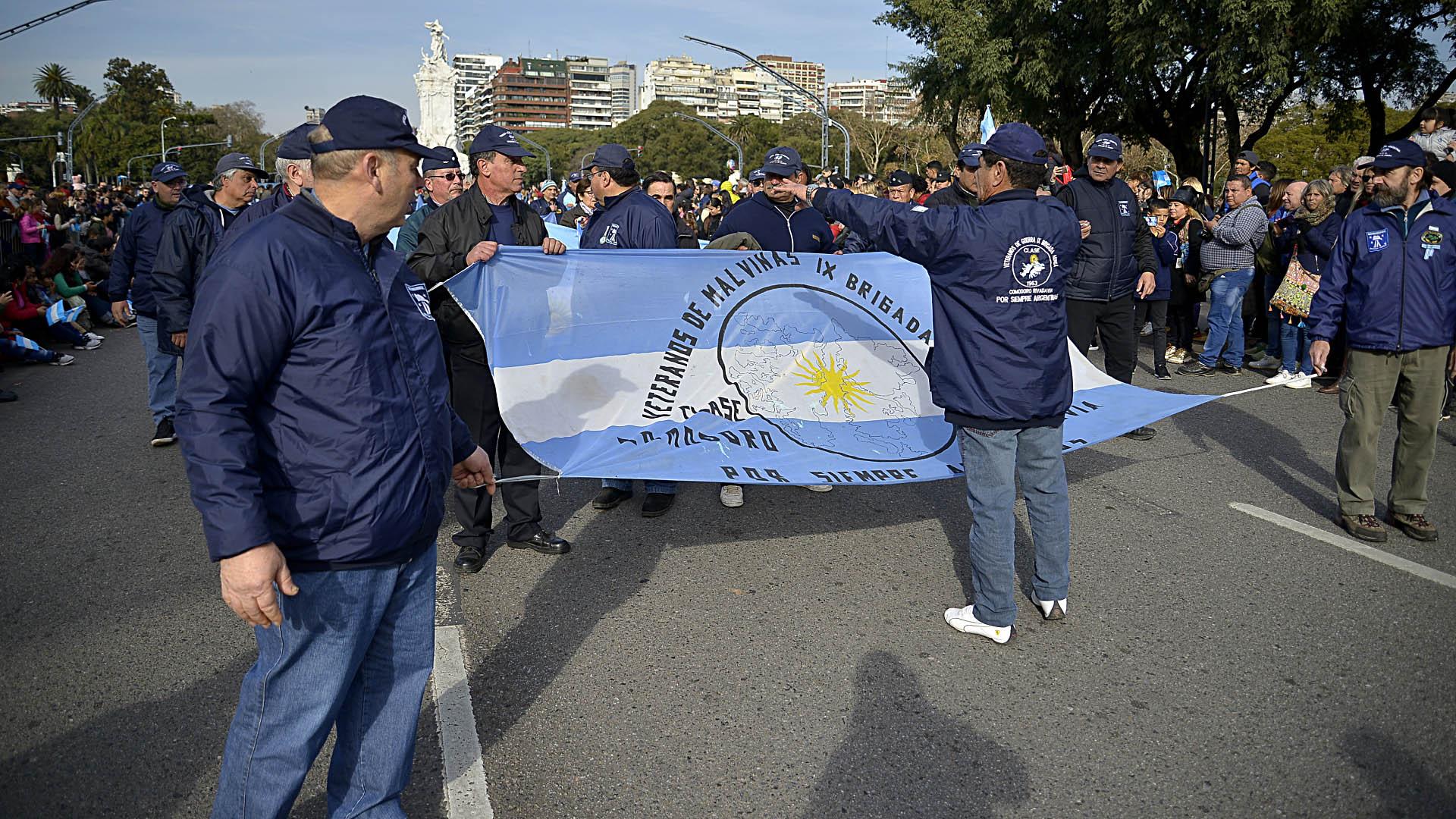 Los veteranos de la Guerra de Malvinas formaron parte del desfile