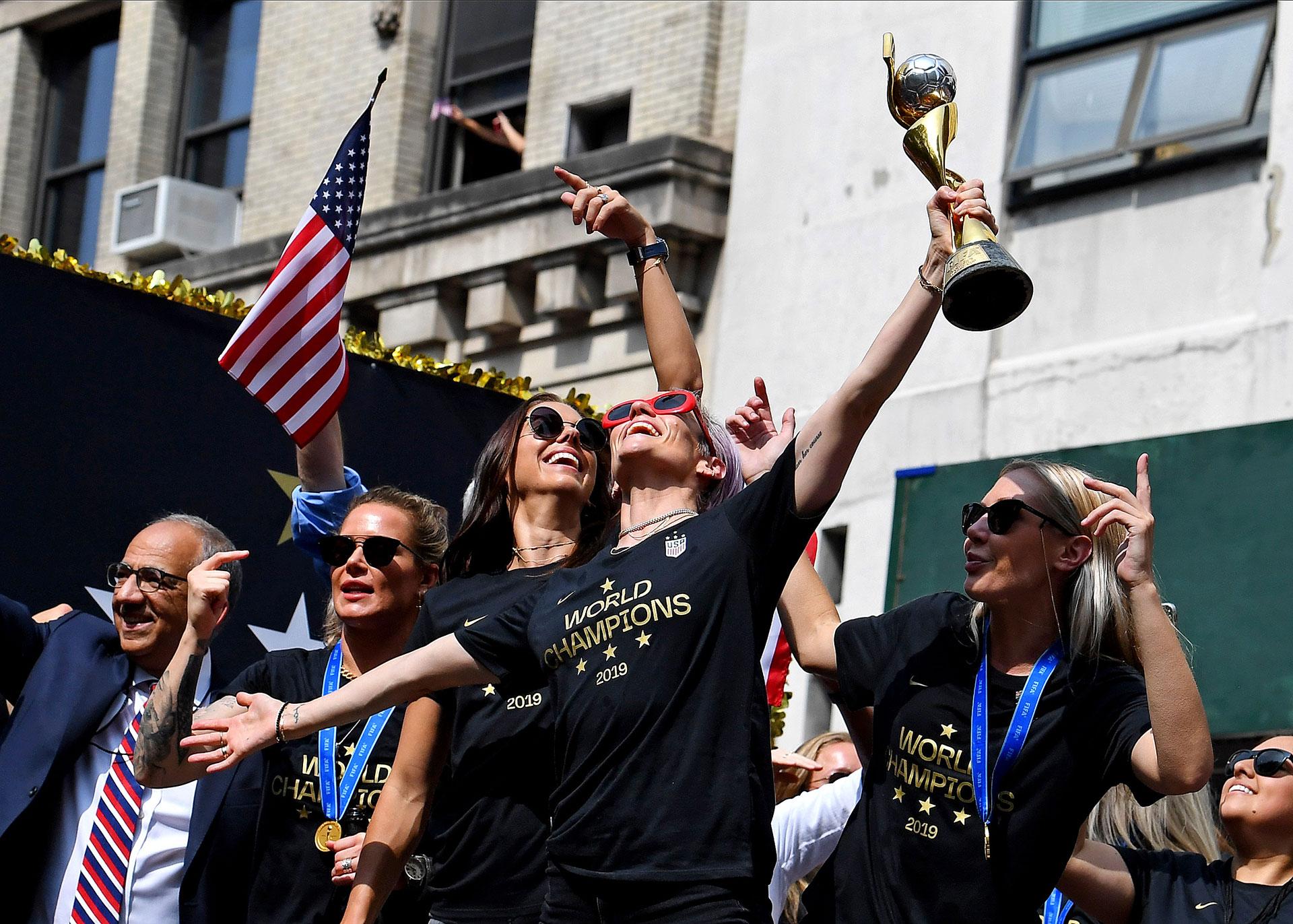 Rapinoe ha protagonizado varias polémicas con Trump y es muy crítica con la visión de país del mandatario, llegando a rechazar acudir a la Casa Blanca en caso de ganar -como ha sucedido- la Copa del Mundo de Fútbol femenino
