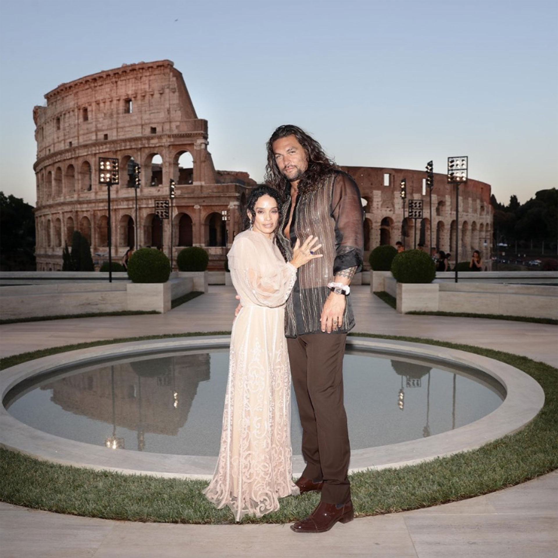 Jason Momoa (Aquaman) junto a su mujer Lilakoi Moon.
