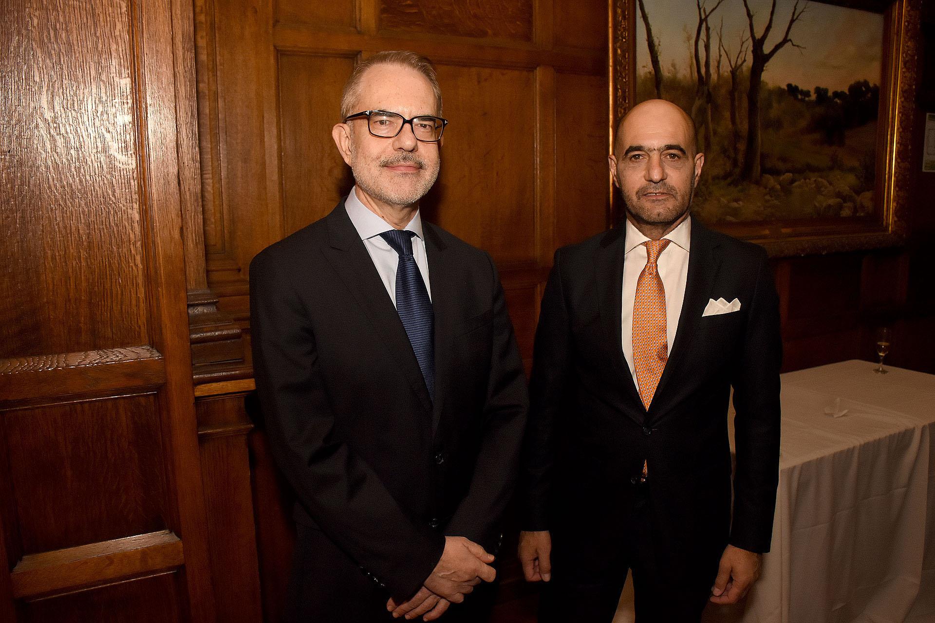 El embajador de Grecia en la Argentina, Dimitrios Zevelakis, y el vicecónsul de Gobierno españo, Walter D'aloia