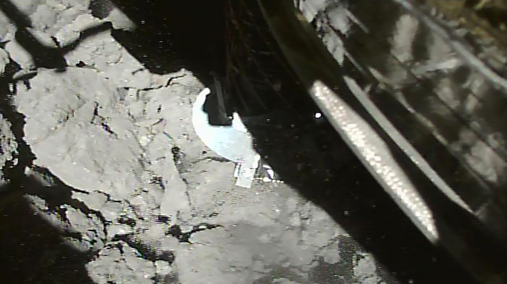 El momento exacto del aterrizajeen el asteroide Ryugu (Foto de Handout / ISAS-JAXA / AFP)
