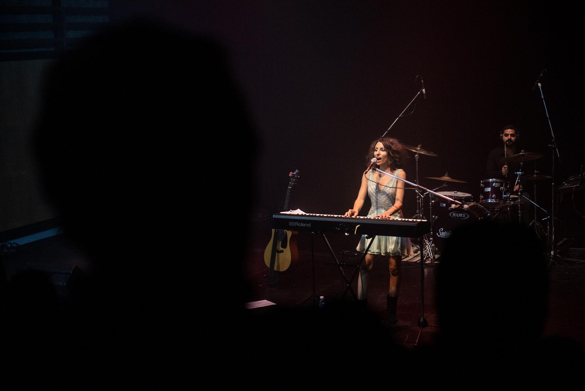 Con un estilo muy personal y una gran trayectoria, el tercer disco de la cantante y compositora Sumaia, llegó a los escenarios del CCC (Centro Cultural de la Cooperación)