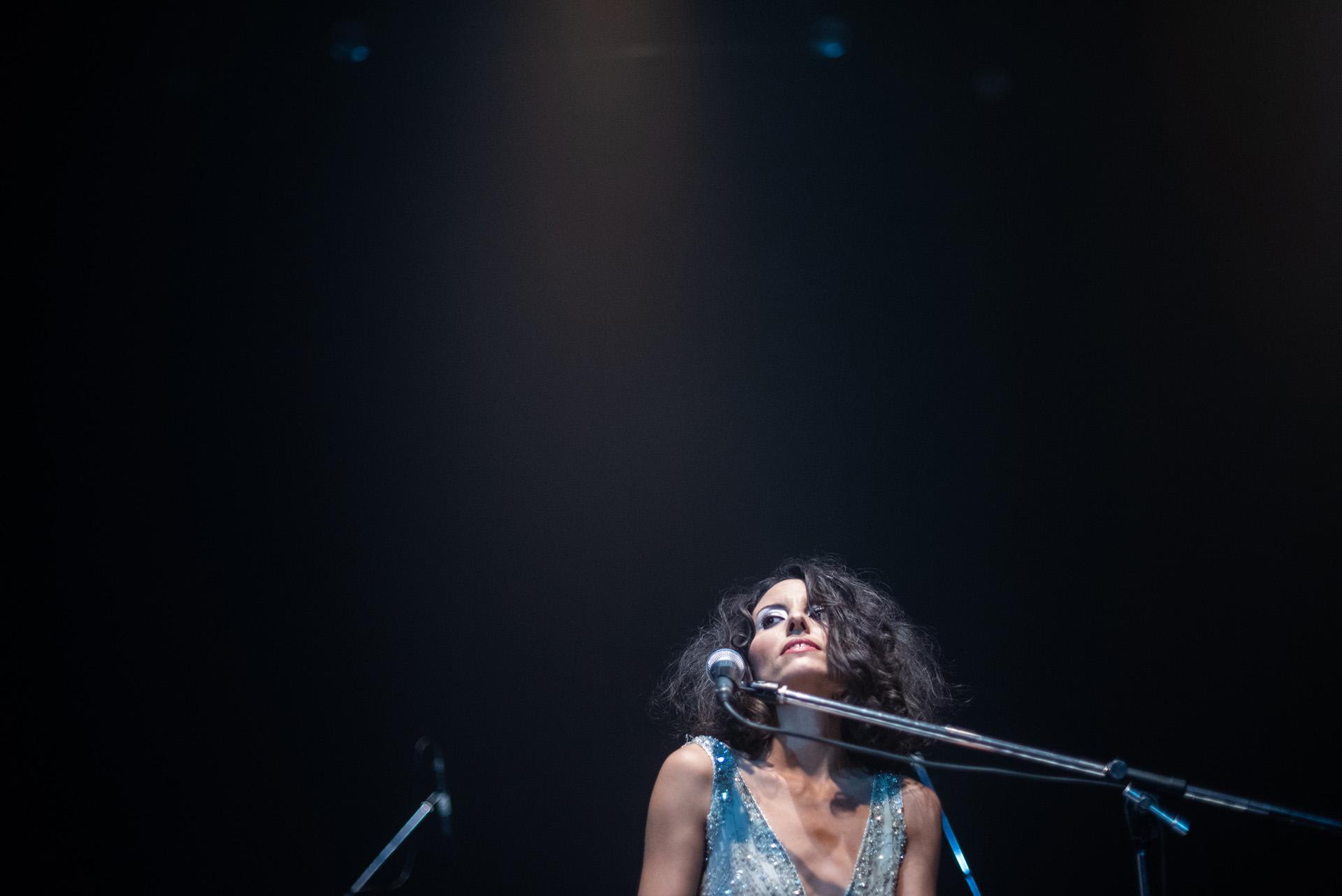 Su voz y su música recuerdan a artistas como Tori Amos y Kate Bush por su originalidad, expresividad y en especial su autenticidad artística