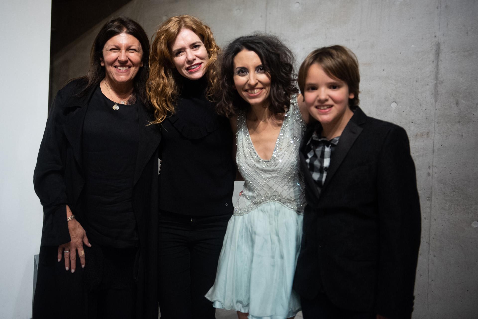 Sumaia junto a Alicia Daher, Karina El Azem y su hijo Lorenzo Pettinato