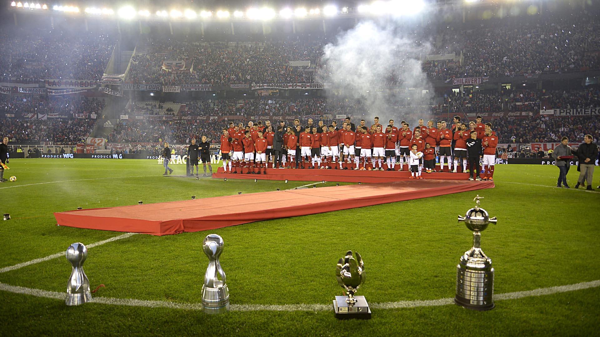 Los títulos que ganó el uruguayo en el club también fueron protagonistas de la jornada