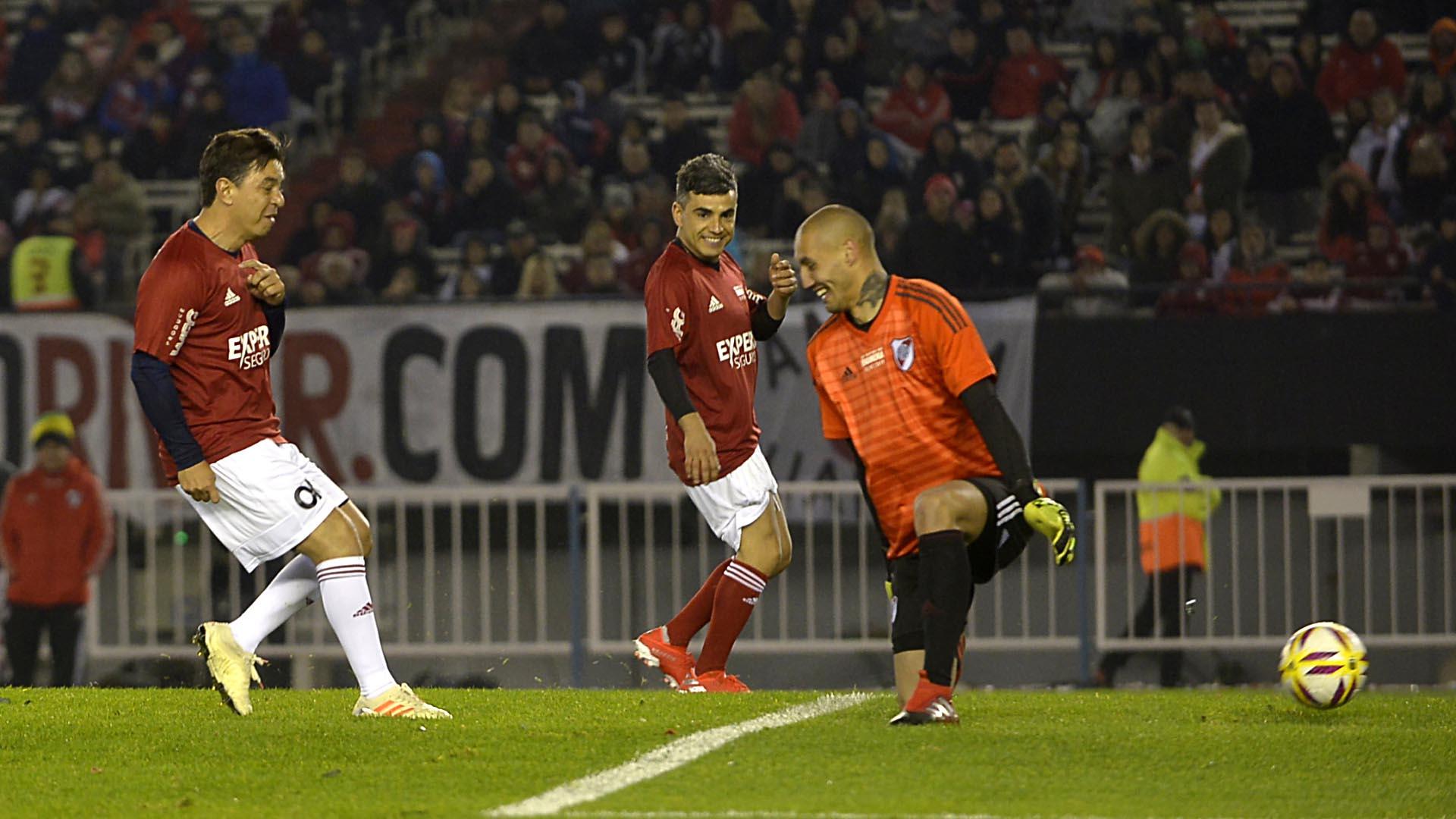 Marcelo Gallardo volvió a ponerse los cortos y jugó en uno de los equipos