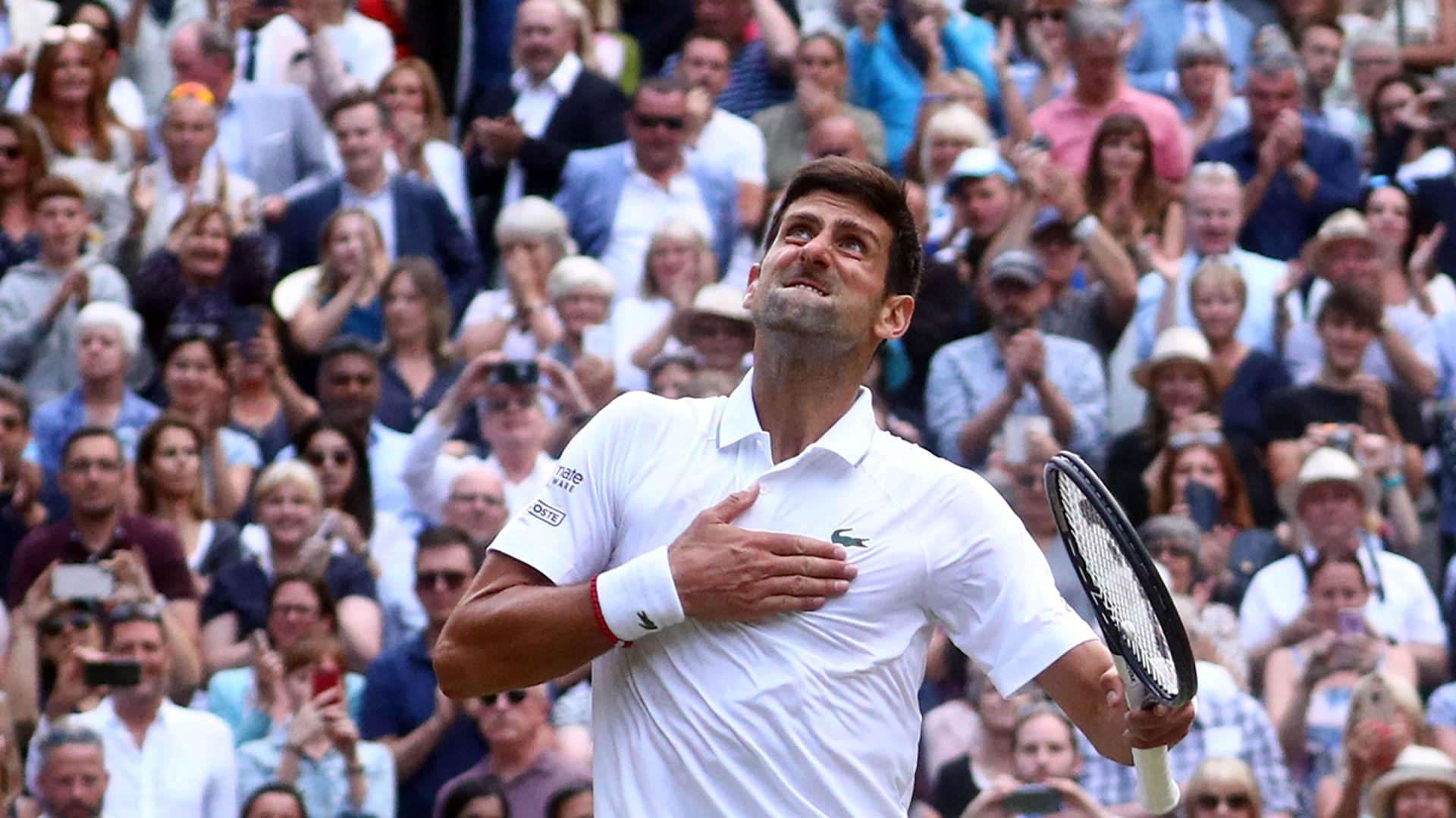 La celebración de Djokovic una vez confirmada su victoria en el tie break del quinto set (REUTERS)
