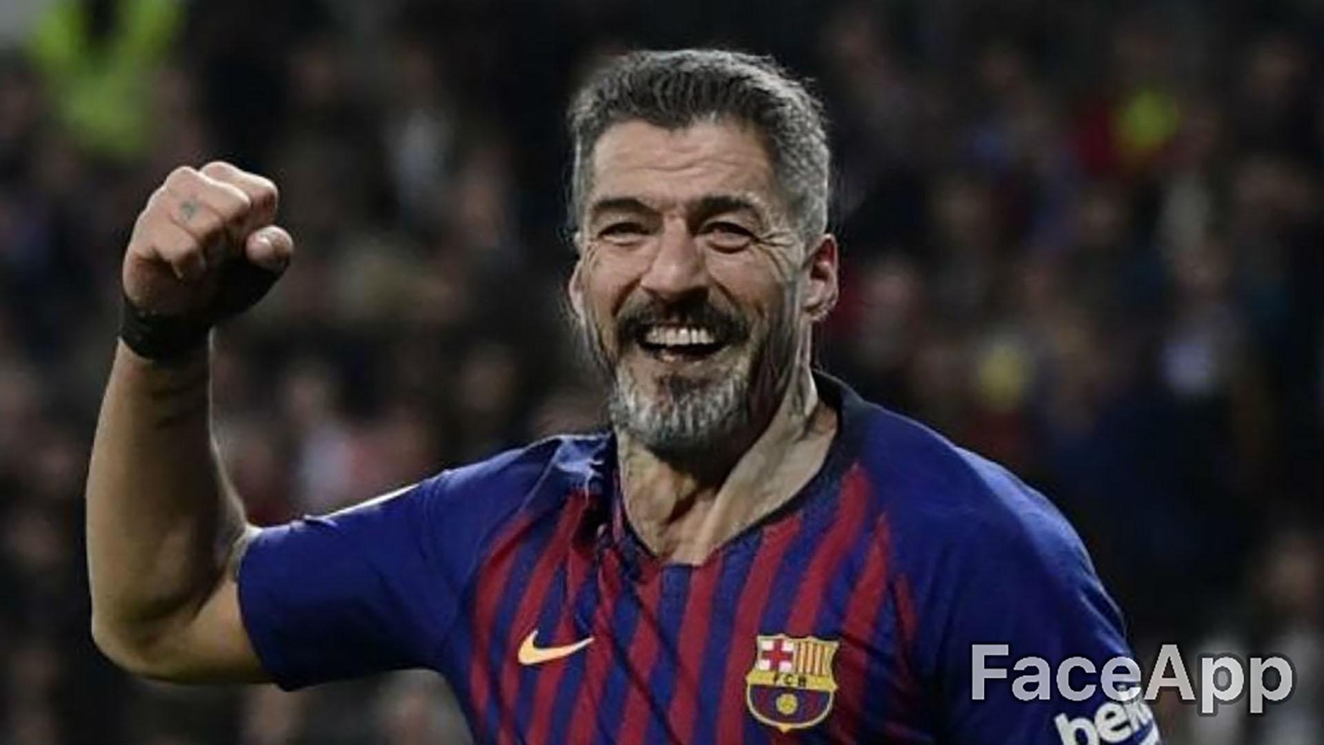 Luis Suárez a los 75 años sigue marcando goles en el Camp Nou