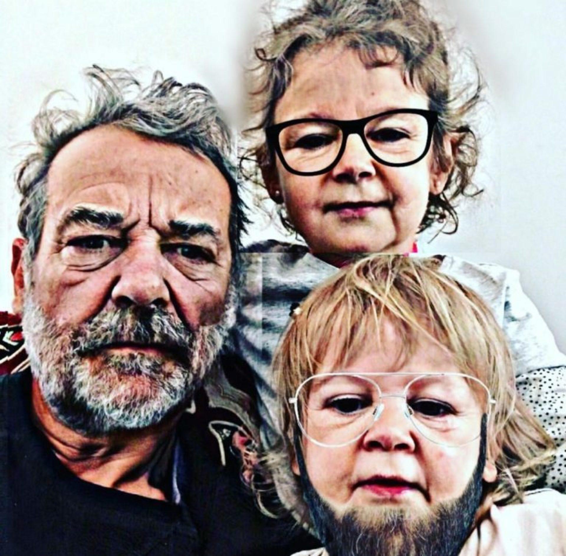 Peter Alfonso y sus hijos.