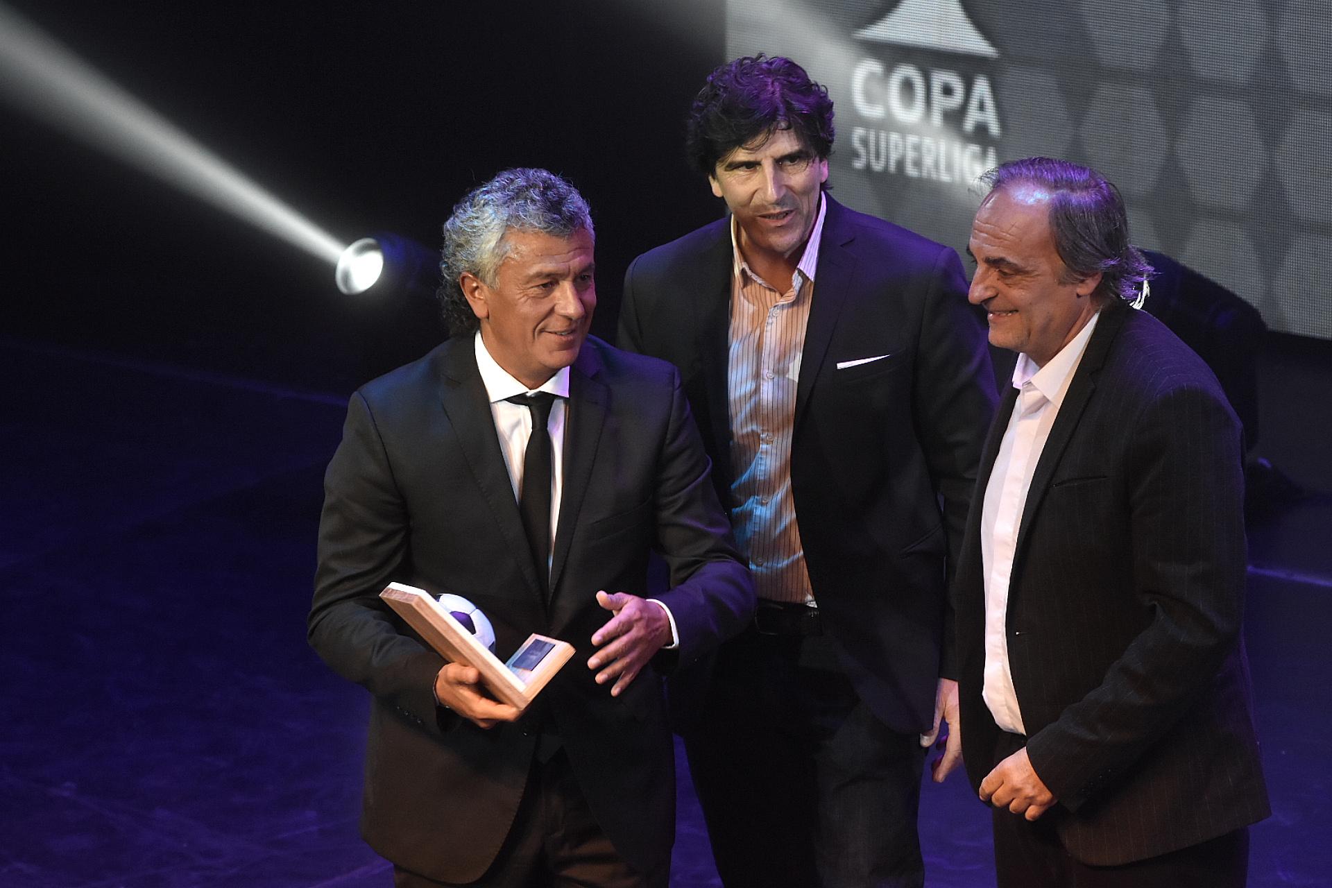 """Néstor """"Pipo"""" Gorosito (DT de Tigre), el mejor entrenador de la Copa de la Superliga"""