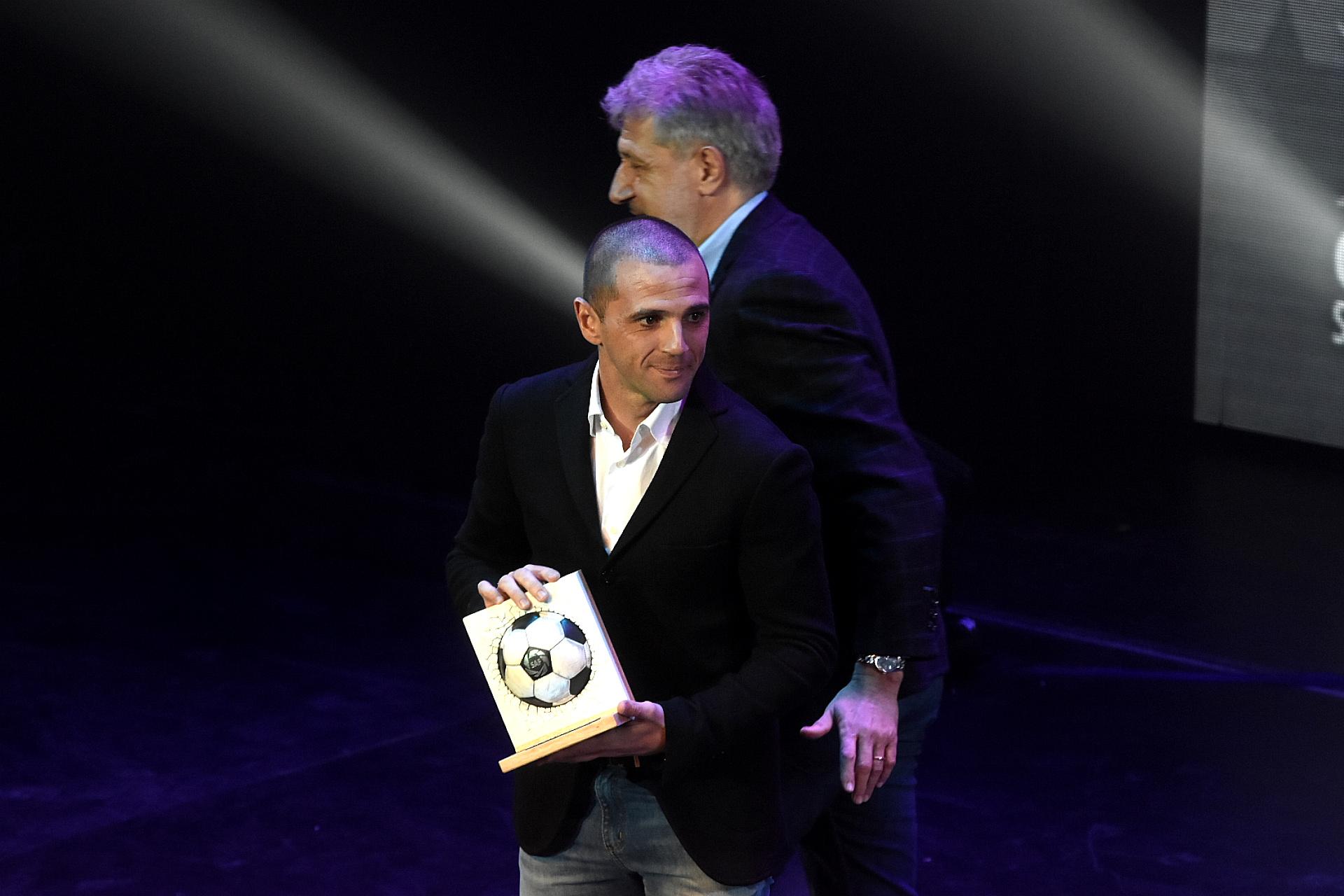 Walter Montillo fue premiado como el mejor futbolista de la Copa de la Superliga que obtuvo Tigre