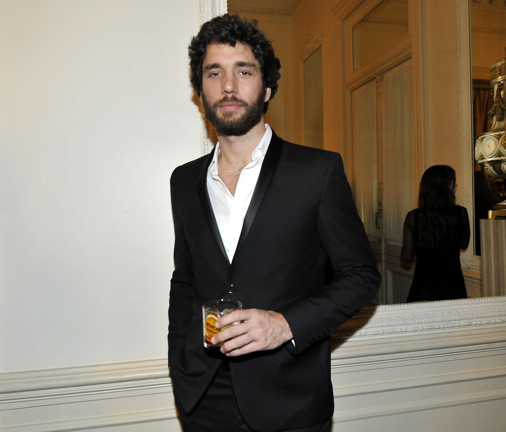 Mariano Balcarce, el ex de Pampita Ardohain, prefirió ir por un look más clásico