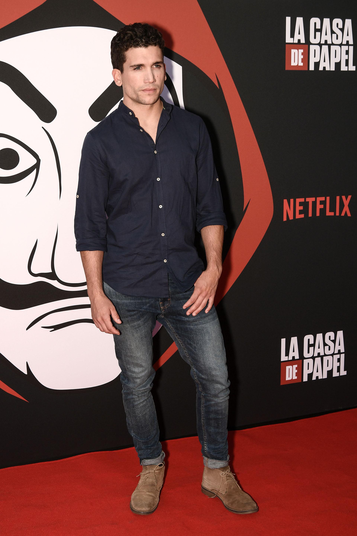 Jaime Lorente con un look casual